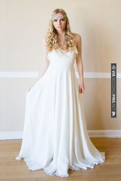 grecian wedding gown | CHECK OUT MORE IDEAS AT WEDDINGPINS.NET | #bridesmaids