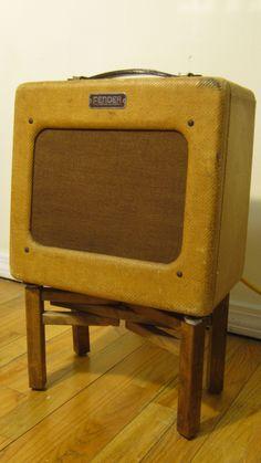 """Fender Princeton """"TV Front"""" guitar amplifier"""