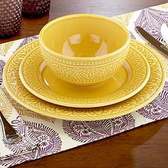 I love yellow and I really think these would look so pretty, nice and simple but speaks so much when you look at them.