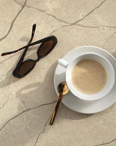 The Rancilio Silvia Espresso Machine Makes Coffee Time At Home Wonderful Cream Aesthetic, Aesthetic Coffee, Aesthetic Food, Aesthetic Light, Aesthetic Black, Aesthetic Vintage, Coffee Break, Coffee Time, Morning Coffee