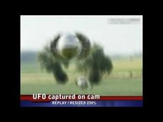 Footage of a weird UFO captured on camera Aliens On The Moon, Aliens And Ufos, Alien Videos, Creepy Images, Tool Shop, Ancient Mysteries, Ufo Sighting, Do You Believe, Weird