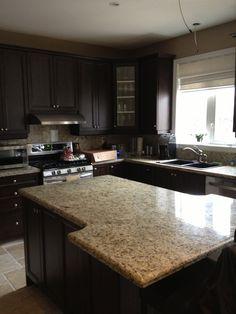 Brick bone light gray ceramic back splash decor with for Chocolate pear kitchen cabinets