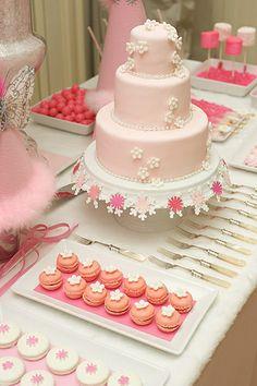 mesa de postre rosado