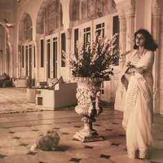 Beauty, captured by Cecil Beaton: Maharani Gayatri Devi in her palace in Jaipur, c.1940 #maharaniofjaipur #greatjewelrycollectors #cecilbeaton