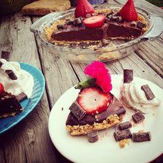 Gluten-Free Chocolate Pie with Ginger Snap Crust #glutenfree #dairyfree #nutfree #vegan