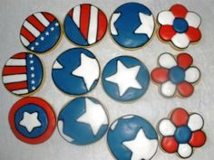 30 Spectacular Red, Blue, and White Cupcake Decorating Ideas