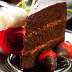 A Delicious recipe for strawberry cream chocolate layered cake. This delicious dessert has a very pretty presentation.