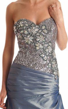 Společenské šaty a ostatní | Luxusní společenské šaty | Adelle svatební a společenské šaty - Váš partner pro slavnostní chvíle