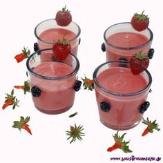Erdbeercreme - unsere Erdbeercreme mit Sahne ist ein göttliches Erdbeerdessert!