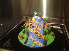 """Took all day, as birthday boy changed his mind from skylanders to sonic so had no prep done, but we'll worth the almost midnight finish time, he was suitably """"wowed"""" this morning!"""