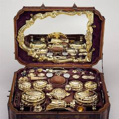 18th century toiletry set.