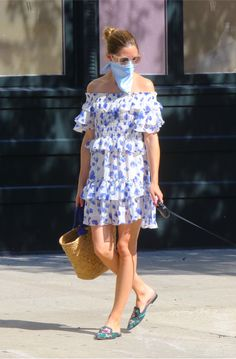 Olivia Palermo, Yorkie, Shoulder Dress, Street Style, Outfit, New York, Sleeves, Dresses, Fashion
