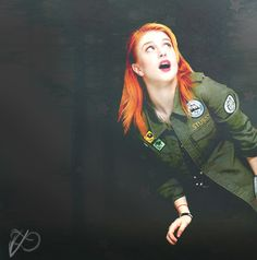 hayley is so pretty! i wish i was more like her, all self confident and beautiful and fun