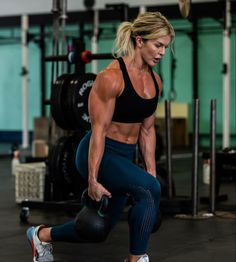 No Equipment Ab Workout, Ab Core Workout, Chico Fitness, Ripped Girls, Fitness Motivation Pictures, Muscular Women, Muscle Girls, Kettlebell, Fit Women