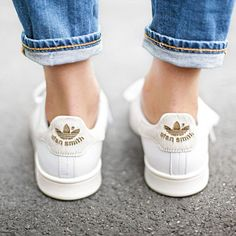 Sneakers For Girl : Instyle Stan Smith Adidas… Adidas Stan Smith, Nike Sneakers, Adidas Sneakers, Sneakers Style, Classic Sneakers, Moda Barcelona, Mode Shoes, Mode Outfits, Nike Roshe