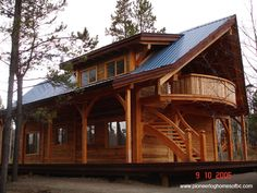 Log cabin home. Photo Gallery of Custom handcrafted log homes and more. Cabins In The Woods, House In The Woods, Log Cabin Homes, Log Cabins, Timber Frame Homes, Cabins And Cottages, Cabin Plans, Home Pictures, Little Houses