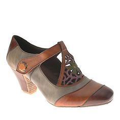 L'Artiste by Spring Step Women's Jardin Mary Jane Shoes (FootSmart.com)