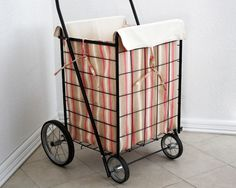I see one of these in my near future Rolling Utility Cart, Quilted Tote Bags, Trolley Bags, Vintage Market, Fleas, Marketing, Totes, Sewing Projects, Quilts