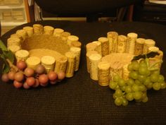 wine cork bottle holders NO GRAPES! Just the cork holder. Wine Craft, Wine Cork Crafts, Wine Bottle Crafts, Cute Crafts, Crafts To Do, Diy Crafts, Diy Cork, Wine Cork Art, Wine Cork Projects