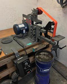 Instagram Blacksmith Tools, Blacksmith Projects, Lathe Projects, Homemade Tools, Diy Tools, 2x72 Belt Grinder Plans, Diy Belt Sander, Knife Grinder, Fabrication Tools