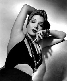 hedda-hopper: Lupe Velez (RKO, photo by Ernest A. Classic Actresses, Hollywood Actresses, Vintage Glamour, Vintage Beauty, Vintage Hollywood, Classic Hollywood, Adrienne Ames, Lupe Velez, Cigarette Holder