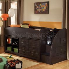 Hideout Loft Bed w/ Right Stairs