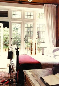 wonderful bedroom....windows :)