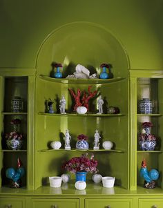 @markhamroberts knows how to lacquer a room- acid green no less. @stylebeat adores it.