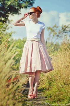 50s skirt and high heels...forever amber