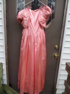 vintage  80s  fab  peach satin and lace by Linsvintageboutique