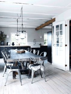 nordic rustic cottage dining room