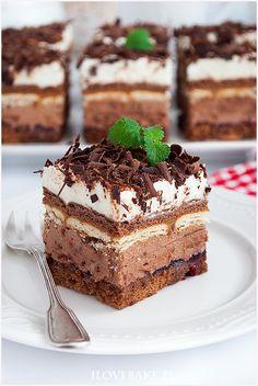 Photo & Video ⚪Tag Your Best Friends ✔ Thanks you! --- Best Food 📩 🍔🍟🍖 Photo & Video ⚪Tag Your Best Friends ✔ Thanks you! --- Best Food 📩 🍔🍟🍖 ciasto hawanka Ciasto kilimandżaro Bardzo intensywne w smaku ciasto kukuł. Polish Desserts, Polish Recipes, Sour Cream Cake, Cake With Cream Cheese, Original Cake Recipe, Sweet Bar, Healthy Cake, Pastry Cake, Food Cakes