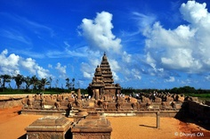 Shore Temple, Mahabalipuram    One of the oldest temples in South India.