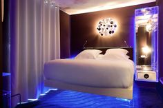 Seven Hotel Paris - Absolut Levitation Room