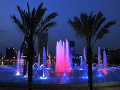 Friendship Fountain. Friendship Fountain is a large fountain in Jacksonville, Florida. It is located in St. Johns River Park at the west end of Downtown Jacksonville's Southbank Riverwalk attraction