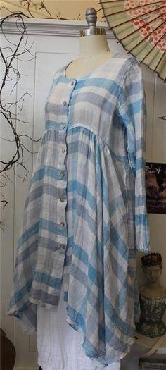 Grizas linen tunic. Looks very airy.