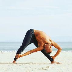 Alo Yoga Mens Capture Short