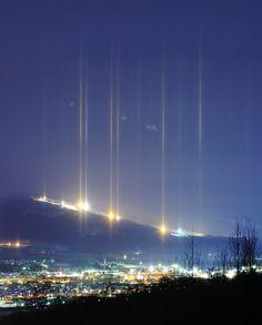 Streaking Light Pillars Illuminate the Night Sky - My Modern Metropolis