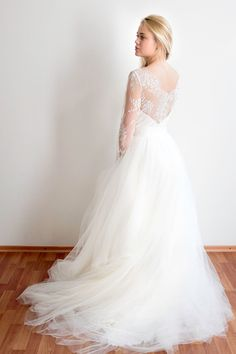 Sample sale// Ivory tulle wedding gown with gold by MywonyBridal