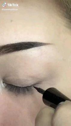 Makeup Eye Looks, Eye Makeup Art, Pretty Makeup, Makeup Inspo, Punk Makeup, Grunge Makeup, Maquillage On Fleek, Mode Emo, Eye Makeup Designs