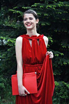 #blog #blogger #fashion #fashionblog #fashionblogger #friends #prom #look #love #lovely #potd #ootd #red #gold #colour #dress #hintsofindigo #valentino #parfois #zara #makeup