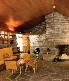 Article: Goetsch-Winckler House - Okemos, MI - Page 3 - Wright Chat Frank Lloyd Wright Buildings, Frank Lloyd Wright Homes, Usonian House, Mcm House, Craftsman Interior, Mid Century House, Cool Rooms, House Design, Architecture