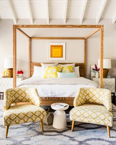 Master Bedroom: Striking Bed