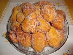 Portuguese Desserts, Portuguese Recipes, Beignets, Cooking Tips, Muffin, Food And Drink, Vegetarian, Tasty, Sweets