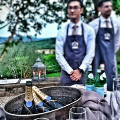 A great way to start off the evening #MoetChandon