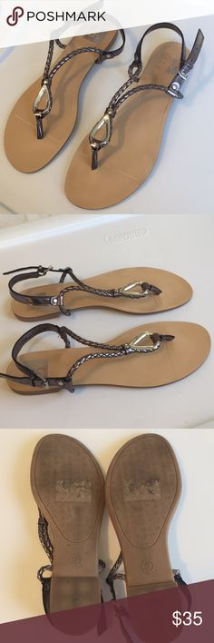 Worn once! Pewter Color, Must Have Items, Fashion Tips, Fashion Design, Fashion Trends, Kitten Heels, Shoes Sandals, Detail, Accessories