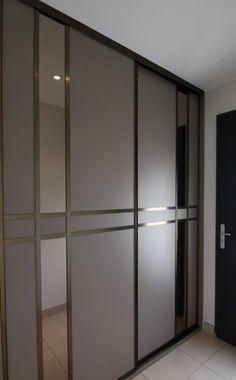 Wardrobe Interior Design, Bedroom Cupboard Designs, Wardrobe Design Bedroom, Door Design Interior, Bedroom Closet Design, Bedroom Furniture Design, Modern Bedroom Design, Home Room Design, Wardrobe Laminate Design