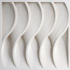 Stunning Paper Art by Matt Shlian Matt Shlian est un ingénieur du papier, un spécialiste du pliage qui manie les formes complexes, les reliefs avec beaucoup de précision et de créativité. Une sélection de ses incroyables travaux, semblables à de véritables sculptures aux inspirations multiples sont à découvrir dans la suite.