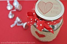 Valentine's Kisses Jar - Valentine's Day Mason Jar Gift Ideas - Mason Jar Gift Ideas for Valentine's Day - Valentine Gift Ideas using Jars