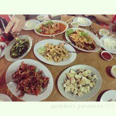 Golden Prawn 555 in Batam, Kepulauan Riau  who can say NO to this dishes?? :'D